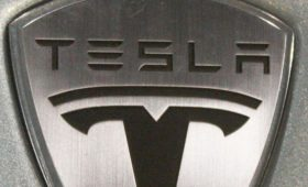 Tesla готовит для Европы бюджетный хэтчбек на базе Model 3
