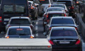 Московских автомобилистов предупредили о девятибалльных пробках