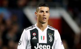 Министр спорта Италии обвинил Роналду в нарушении режима самоизоляции