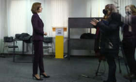 Санду пообещала сбалансировать отношения Молдавии с Россией и США