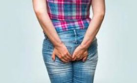 Какотличить ракпрямой кишки отгеморроя