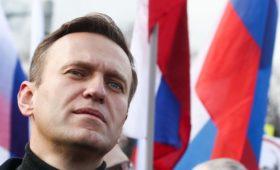 Прокуратура предостерегла москвичей от участия во встрече Навального