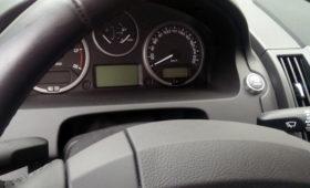Машина из Омской области сменила более 60 владельцев