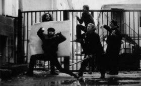 «Белая дева» (1991): застольная пьеса с пушками и фейерверком