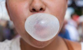 Из-за пандемии россияне стали покупать меньше жвачки