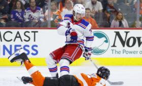 Российский хоккеист Виталий Кравцов забросил первую шайбу в НХЛ