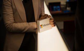 СМИ узнали о планах Microsoft купить причастную к созданию Siri компанию