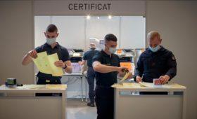 Европарламент утвердил введение COVID-сертификатов