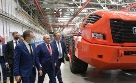 Новые двигатели и беспилотный «КАМАЗ»: Мишустин посетил завод в Набережных Челнах