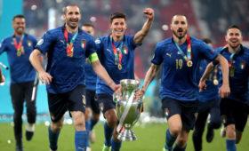 Футболисты сборной Италии по футболу награждены орденами за победу на Евро-2020