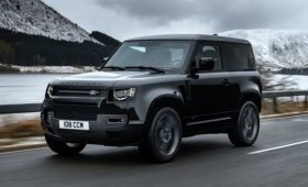 Land Rover может выпустить Defender с мотором V8 мощностью более 600 л.с.
