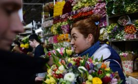Минфин сообщил о решении проблемы дешевых импортных цветов»/>