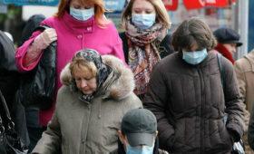 В московских аптеках раскупили одноразовые маски