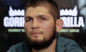 Нурмагомедов уложился в вес перед поединком с Гэтжи
