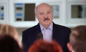 Лукашенко предложил подать на МОК в суд и назвал его руководство бандой