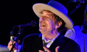 Боб Дилан продал Universal права на все свои песни