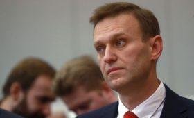 Песков заявил о «маниях» у Навального