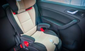 В США угонщик отругал женщину за оставленного в машине ребенка