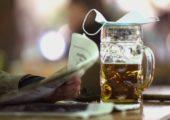 Закрытые границы и неработавшие бары увеличили спрос на импортное пиво