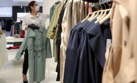 Ретейлеры спрогнозировали рост цен на одежду и обувь осенью